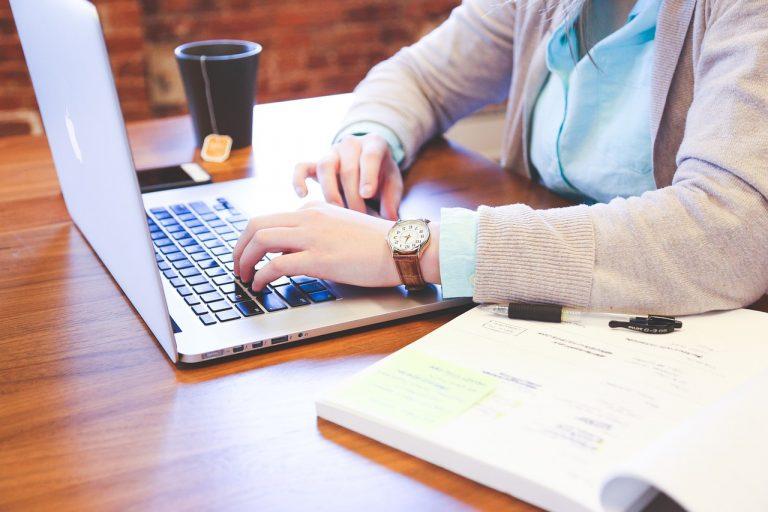 Sinh viên nên làm thêm những công việc gì?